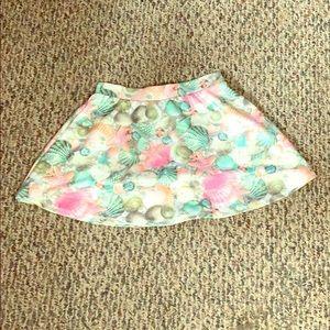 A beach skirt